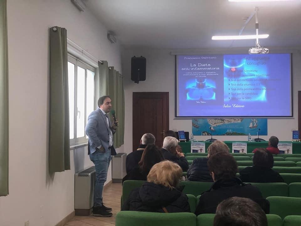 """Presentato il libro   """"La dieta anti – infiammatoria, come educare il sistema immunitario a non attaccare la tiroide"""" del dr. Francesco Garritano"""