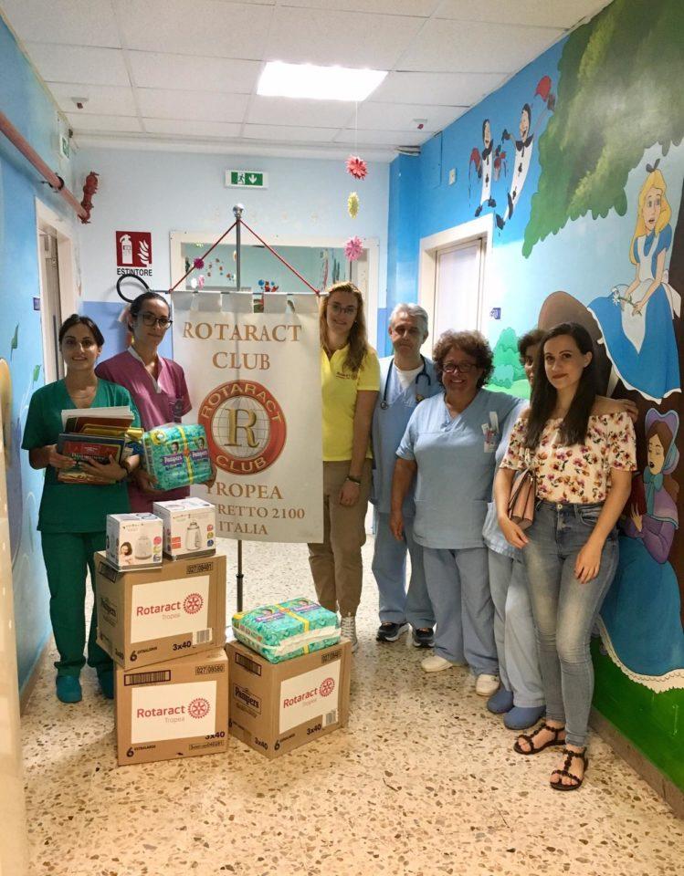 Il Rotaract di Tropea vicino ai bambini