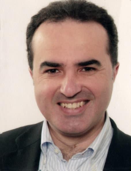L'Avv. Mario Rizzo, consigliere del Comune di Ricadi con delega alla Cultura e alla Pubblica Istruzione, condivide un momento di riflessione con la cittadinanza.