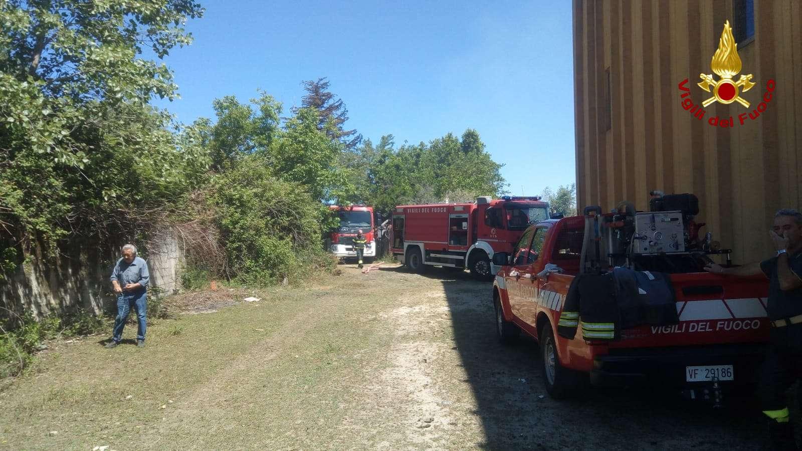 A fuoco capannone agricolo a Zambrone