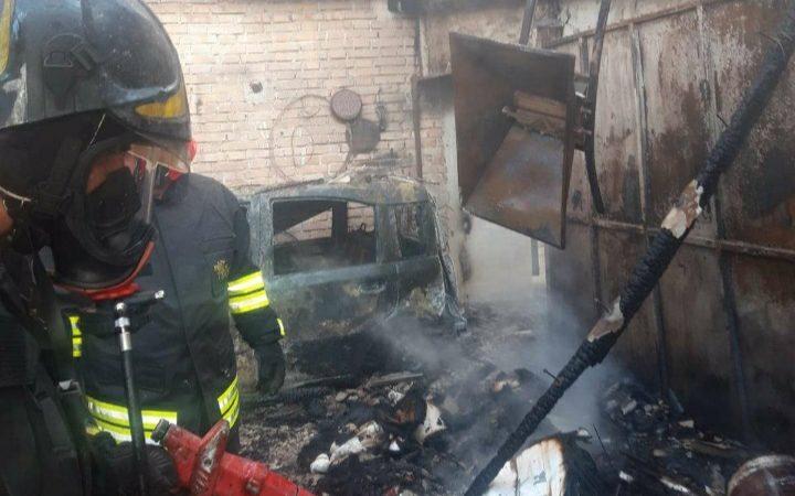 Incendio in un garage a Drapia. Distrutta auto e mezzi agricoli