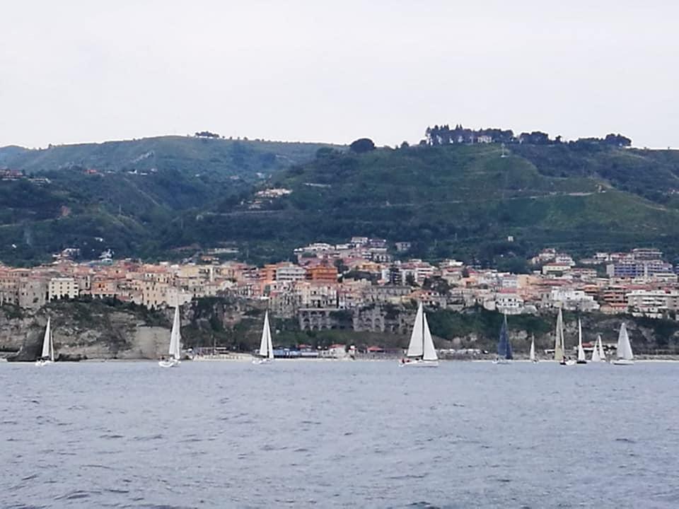 Tropea, il Covid non ferma lo sport grazie al Vela Day, il mare si vive in sicurezza