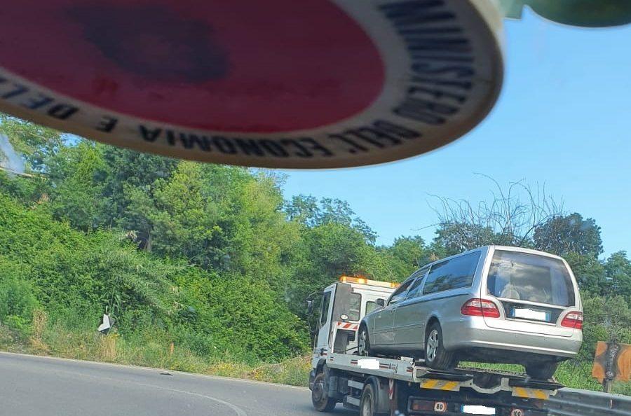 Vibo Valentia: La GdF sequestra due auto funebri