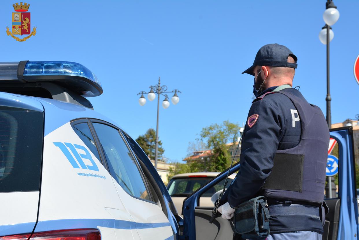 Due minorenni fermati su motorino rubato. Sul posto il padre, denunciato per ricettazione