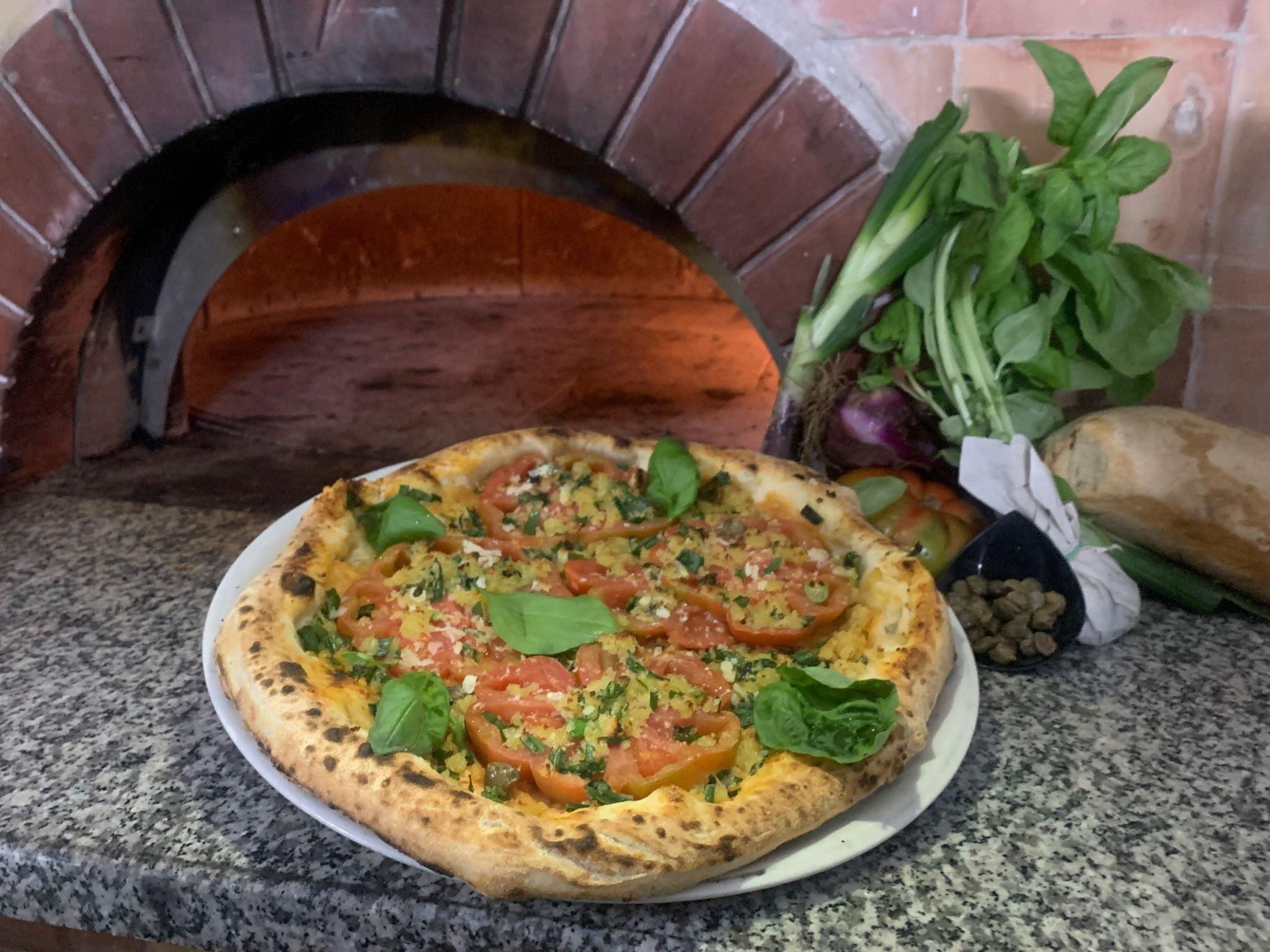 """Nasce la pizza """"Borgo dei Borghi"""" che celebra Tropea e la Calabria"""