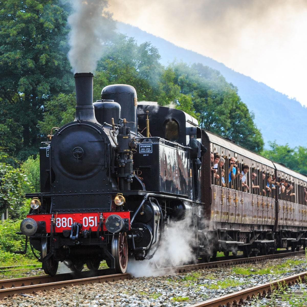 Treno storico e turistico Costa degli Dei – Costa Viola. Avviato il confronto presso la regione Calabria