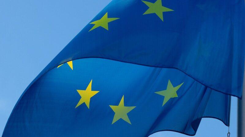 """UE: Passaporto vaccinale da giugno. Ecco cos'è il """"Green Pass"""""""