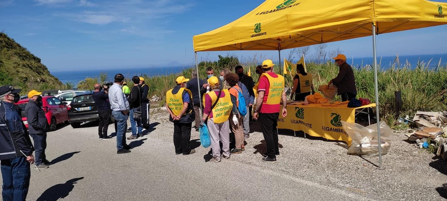 Legambiente e i comuni di Parghelia, Zambrone e Zungri, insieme, per la pulizia della SP 83
