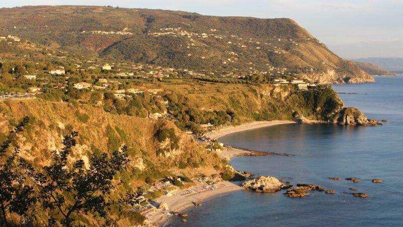 Ricadi. Erosione costiera delle spiagge