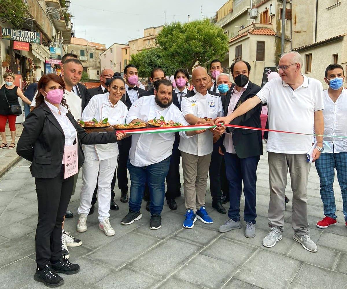 Tropea, location per celebrare l'enogastronomia: presenti i maestri pizzaioli Fortuna e Malfarà assieme al guru della pizza, Sorbillo