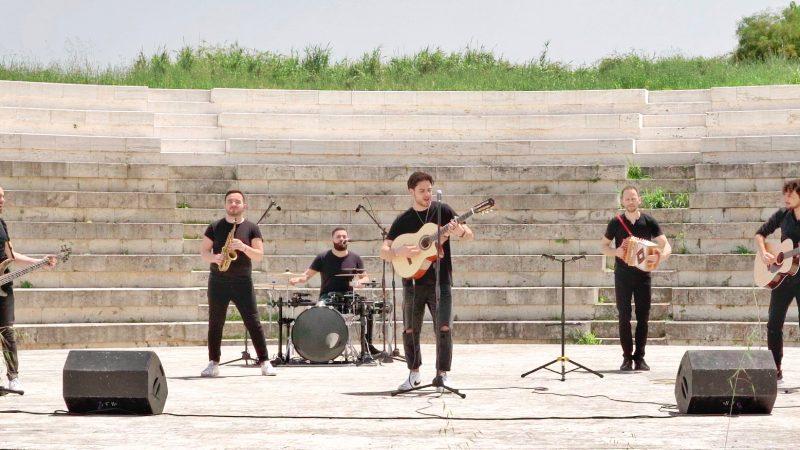 """""""Vieni e balla"""", nuovo singolo della band etno pop degli Amakorà"""