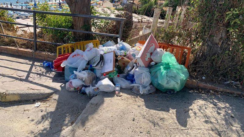 Capo Vaticano: la magnifica località Grotticelle devastata dai rifiuti