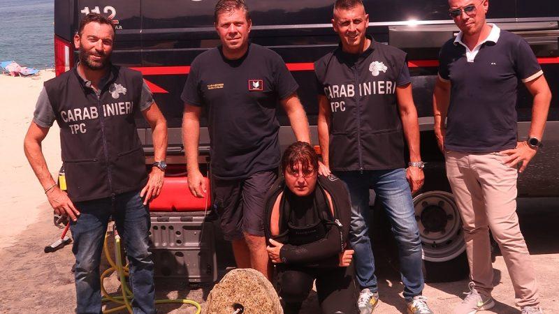 Ricadi: carabinieri subacquei recuperano un antico reperto a largo di Formicoli
