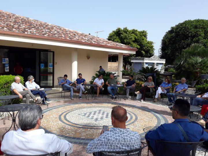 Erosione costiera: incontro con il consigliere regionale Esposito a Capo Vaticano per fare il punto della situazione