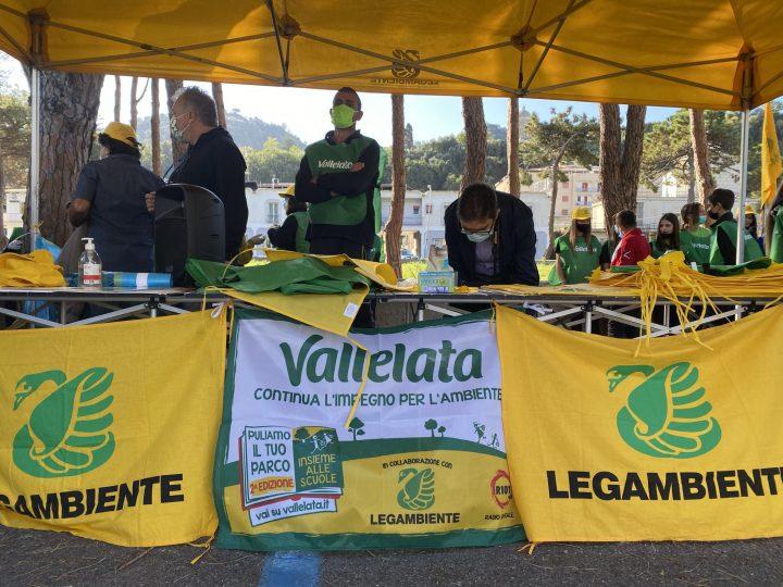 """Tropea: pulizia della pineta per il progetto nazionale """"Puliamo il tuo parco!"""""""